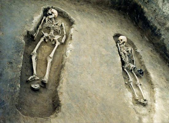 Погребения 42 и 43 Красноярского археологического комплекса. Эпоха средневековья